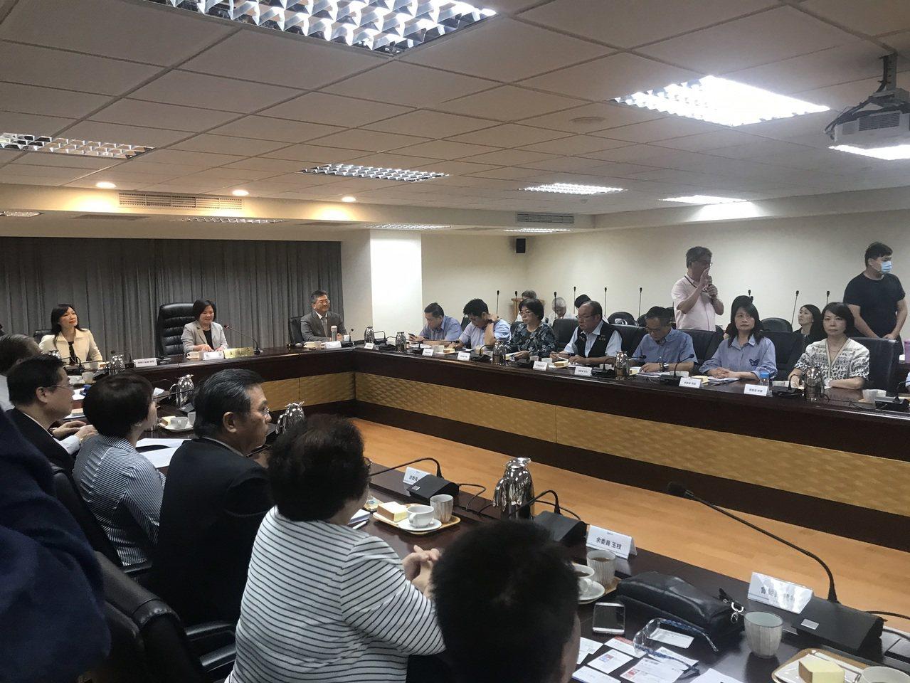 基本工資審議委員會今於勞動部召開。記者葉冠妤/攝影