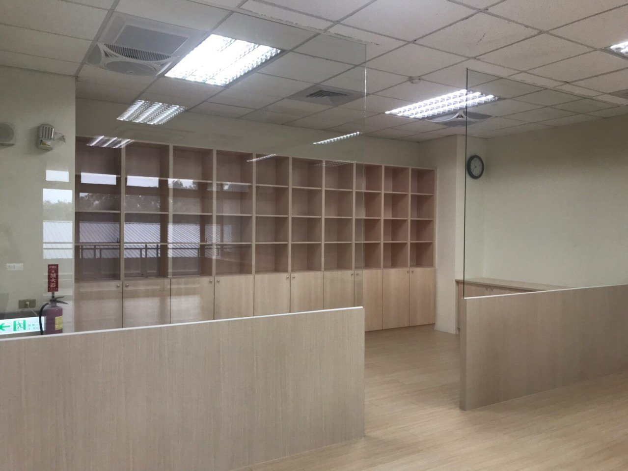 竹東鎮東正社區活動中心3樓的托育空間有48坪,硬體設施已完工,目前正在籌備招生計...