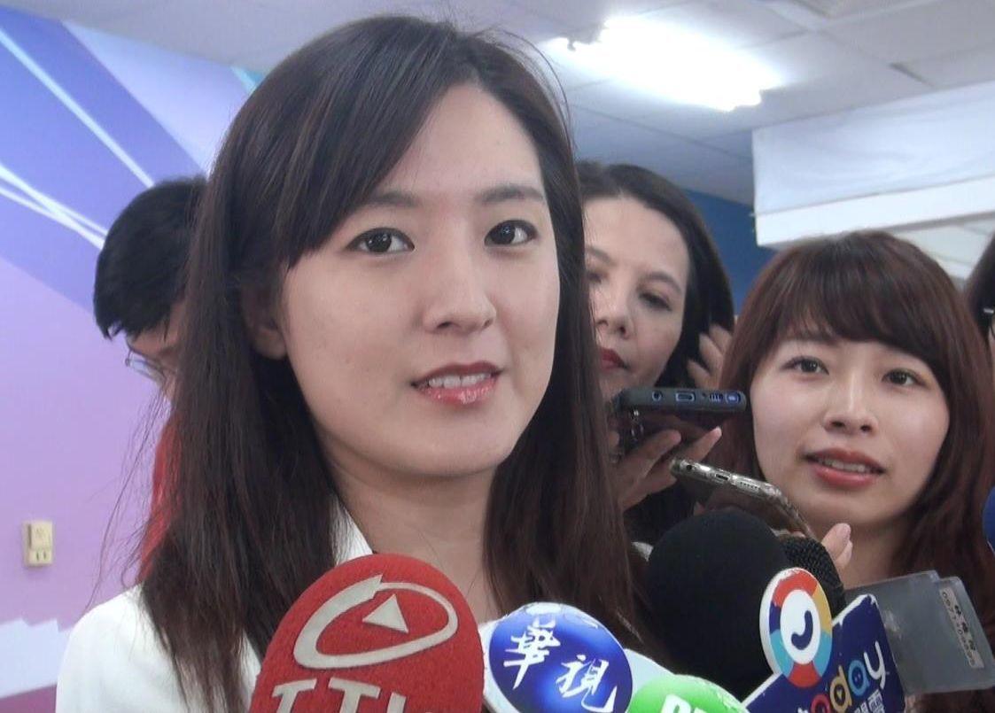 高雄市長韓國瑜去年選舉時的政治獻金收入中有40多萬元支出在酒類,韓國瑜競選辦公室...