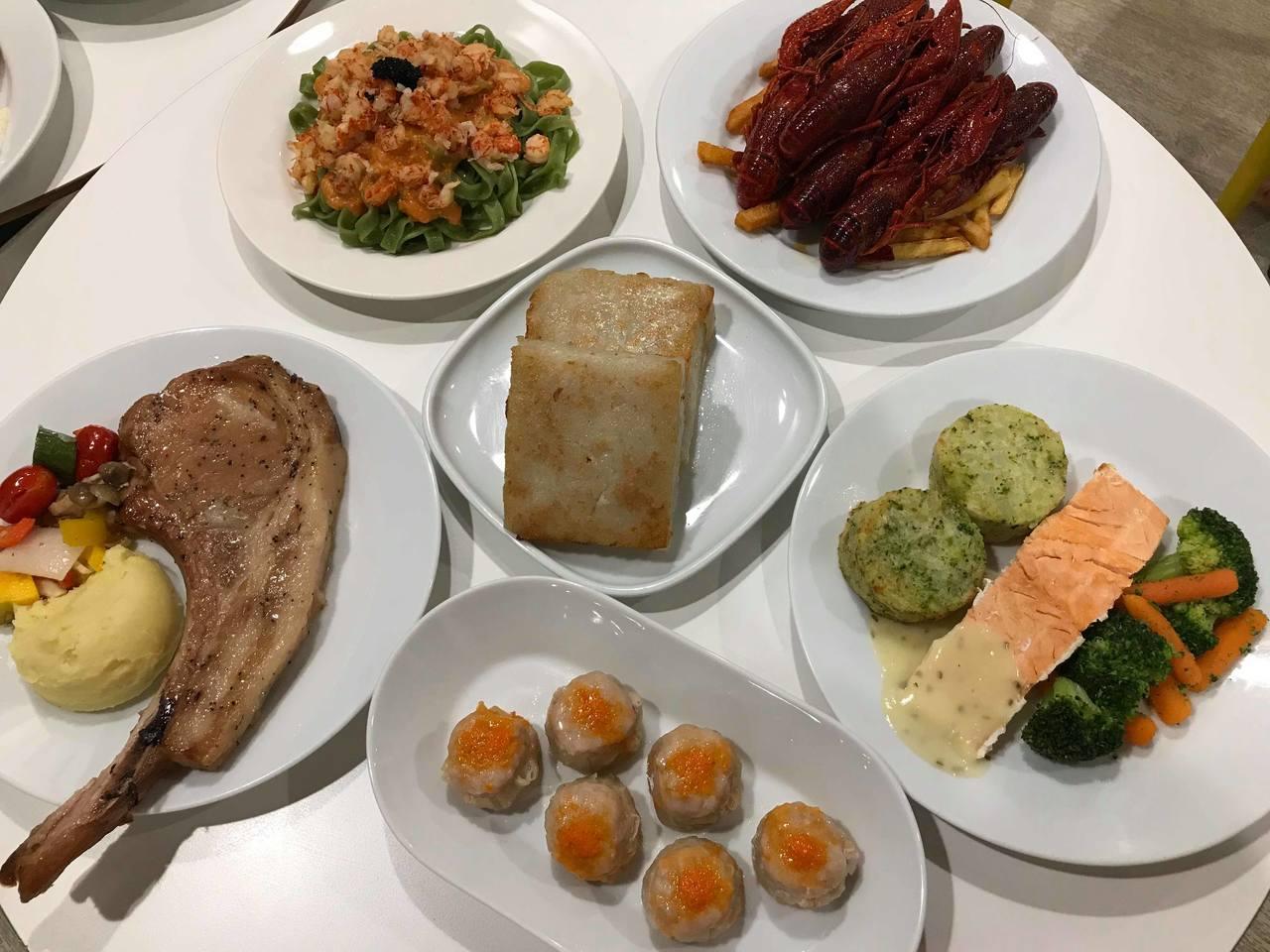 IKEA瑞典餐廳8月起推出多款新菜色,連台式的蘿蔔糕、燒賣都有。記者陳立儀/攝影
