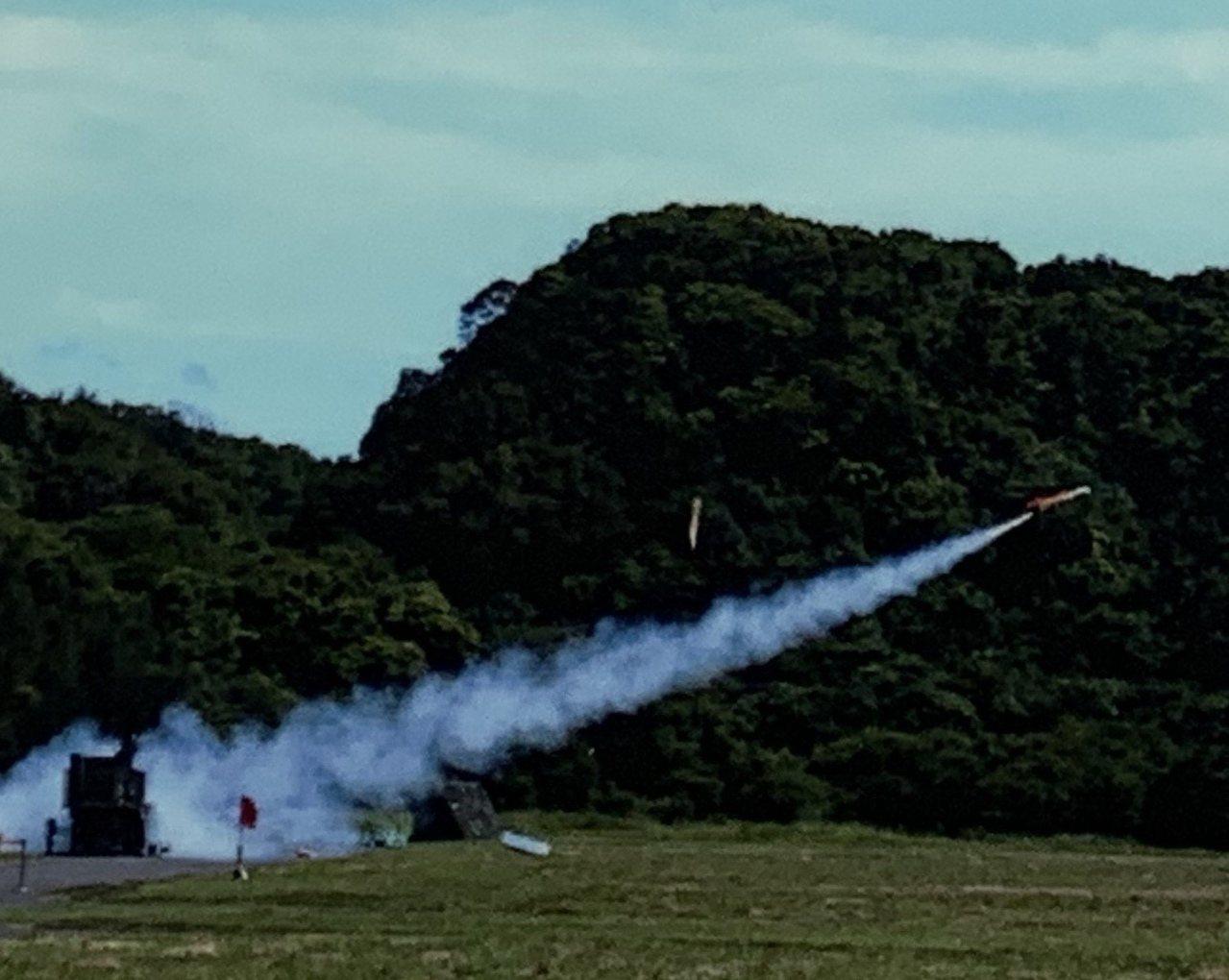 「劍翔」反輻射無人機今年起已進入量產階段,編列預算分6年生產104架,將在空軍防...