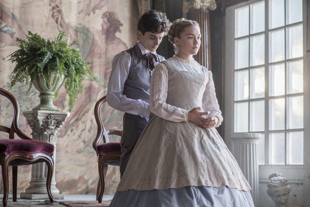 提摩西夏勒梅與佛羅倫絲普伊在「她們」有感情對手戲。圖/摘自imdb