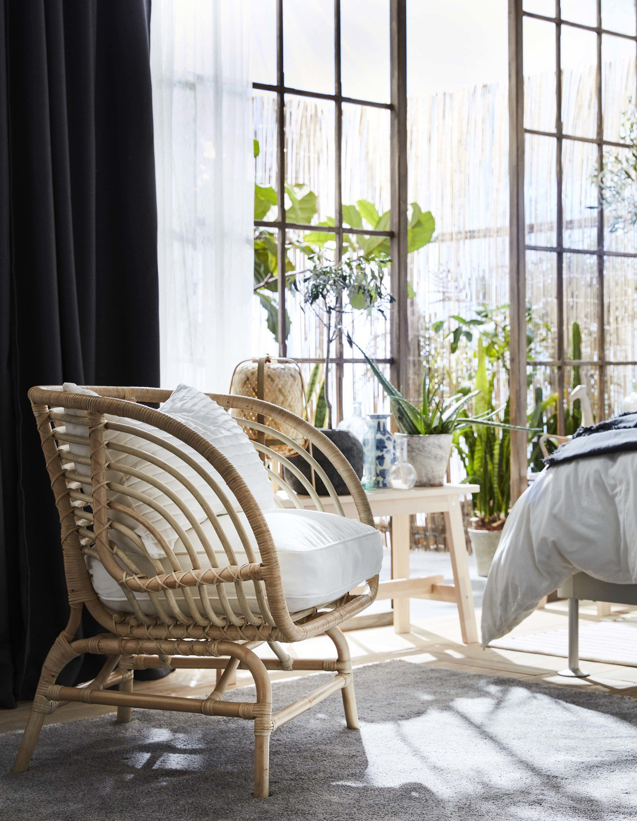 BUSKBO藤製扶手椅,售價3,490元。圖/IKEA提供