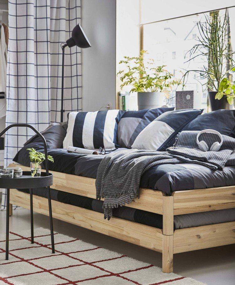 UTÅKER疊床(松木),2件裝原價4,790元、再創低價4,390元。圖/IK...