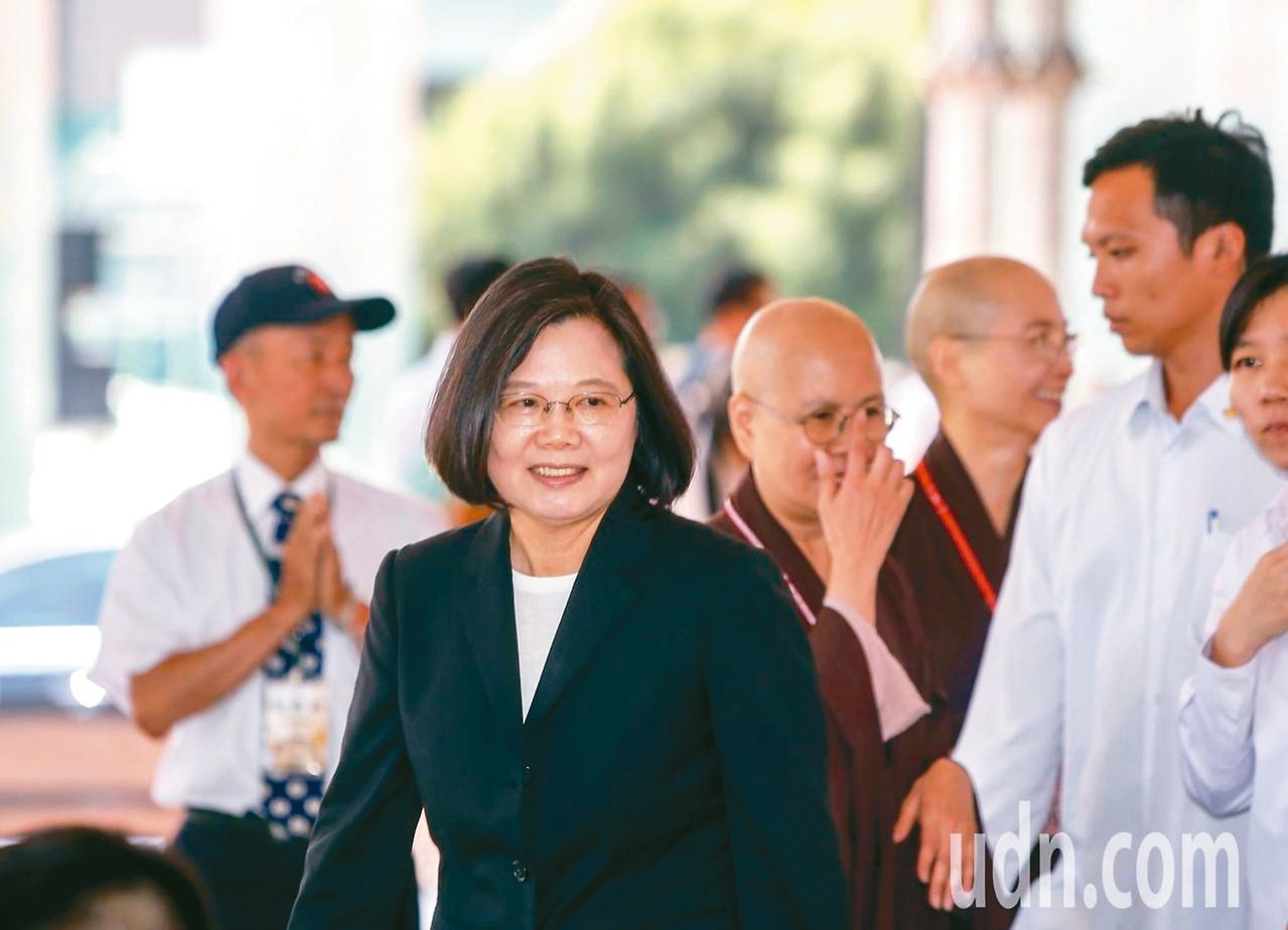 蔡英文總統表示,身為台灣領導人,對於中國大陸提出一國兩制的台灣方案,必須明確表示...