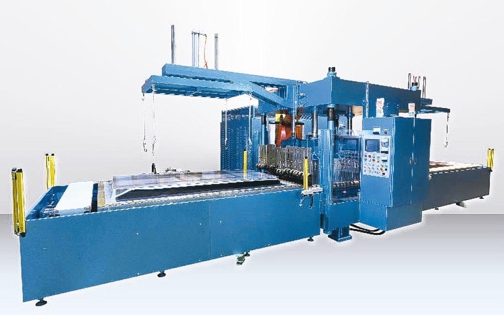 緻鎰公司新推出175KW伺服自動雙滑台高週波塑膠熔接機。 緻鎰公司/提供