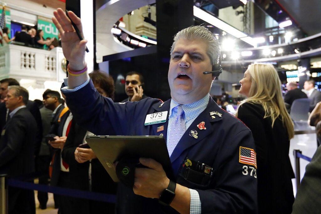 美國股市今天大跌,三大指數跌幅都約達3%。 美聯社