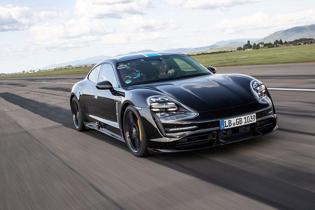 全新Porsche Taycan預定於9/4全正式發表。 圖/Porsche提供