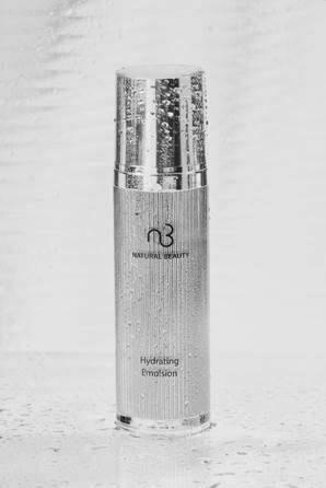 「東森自然美」8月推出全新《超效保濕精華液》,即將於8月15日(四)14:00-...