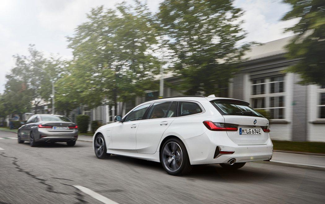 新世代BMW 3 Series不僅有插電版330e Sedan,330e Tou...