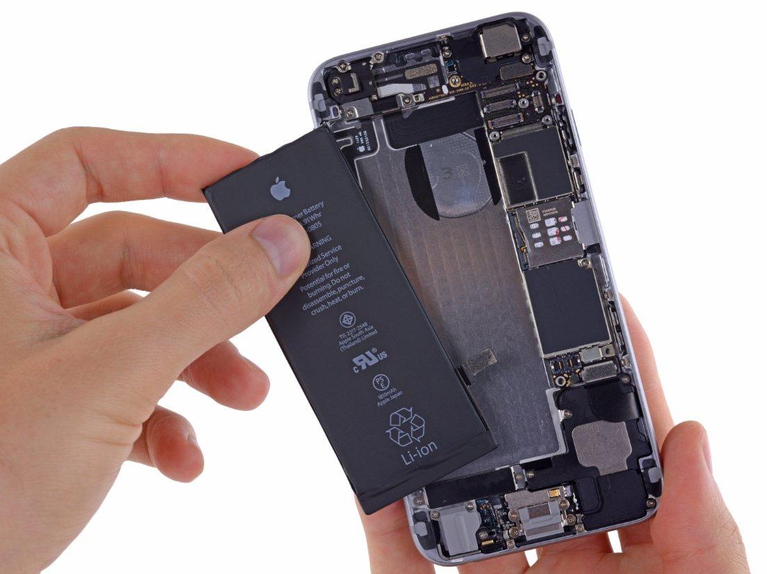 蘋果針對副廠電池採取了安全措施。 圖/取自ifixit