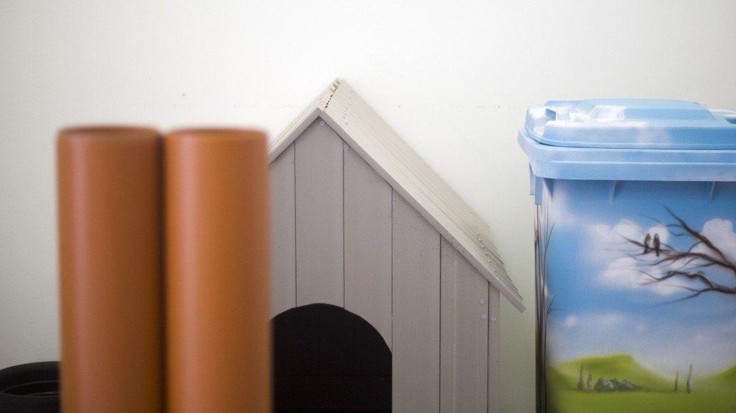 以色列UBQ公司利用專利技術將垃圾轉化成像塑料一樣的合成物,用來製造家用物品和家...