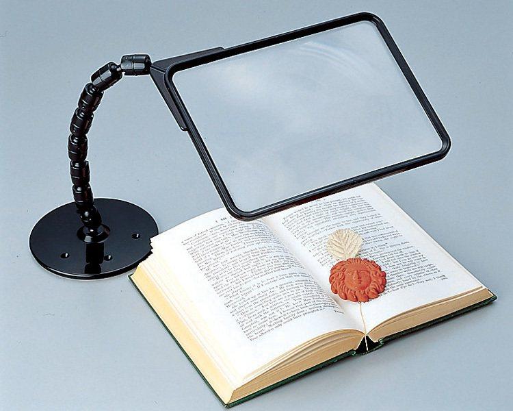 可調式大尺寸閱讀放大鏡。
