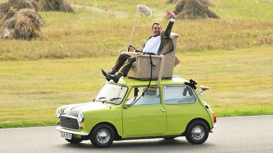 豆豆先生的愛車就是復古的Mini。 圖/截自網路