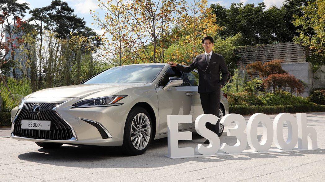 Lexus在韓國最熱賣的車款為ES (上市時還請到玄彬來站台),去年在韓國消費者...