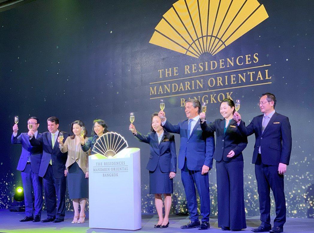 「曼谷文華東方酒店管理式住宅」正式亮相,MQDC、MO、ICONSIAM長官親臨...