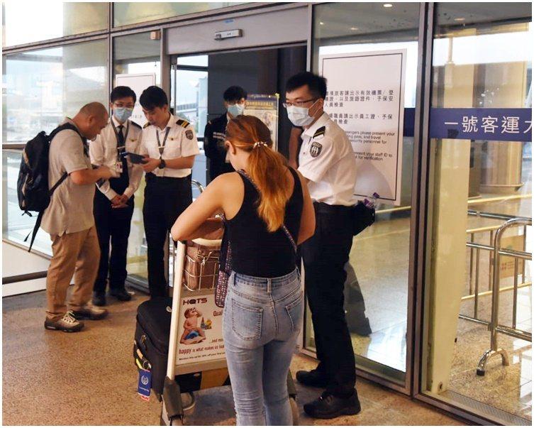 香港機場恢復運作,仍實施進出管制。取自星島網