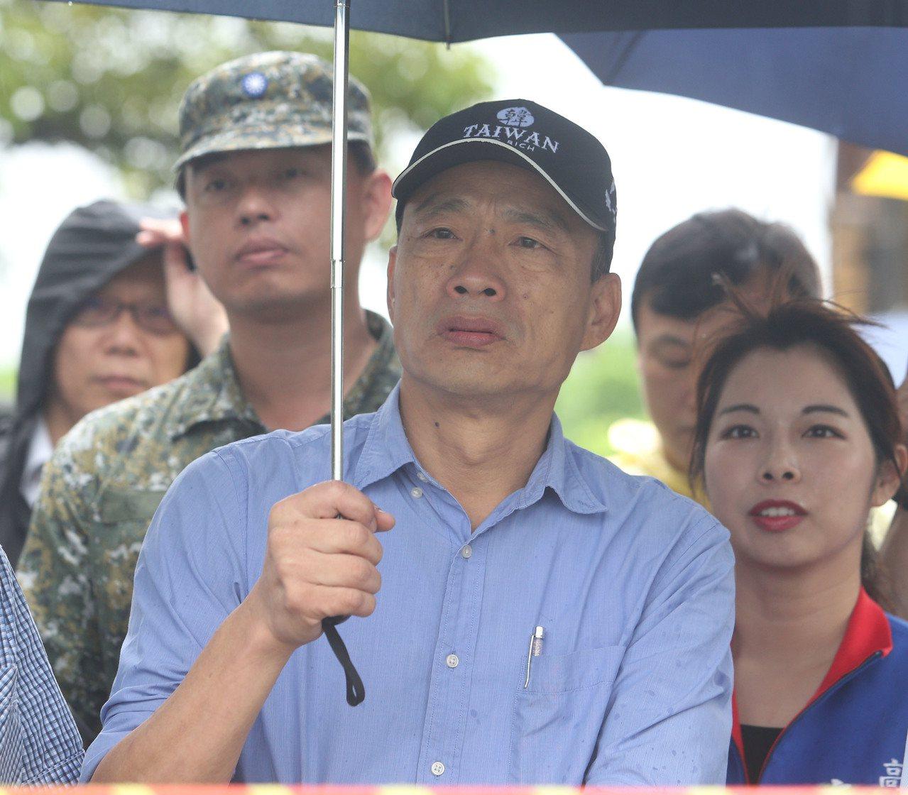 國民黨總統參選人韓國瑜近來頻遭爆料,前立委孫大千在臉書上表示,都是刻意混淆事實、...