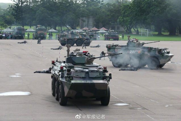 根據中共《基本法》《駐軍法》,中共駐港部隊都可以出動。(新浪微博照片)