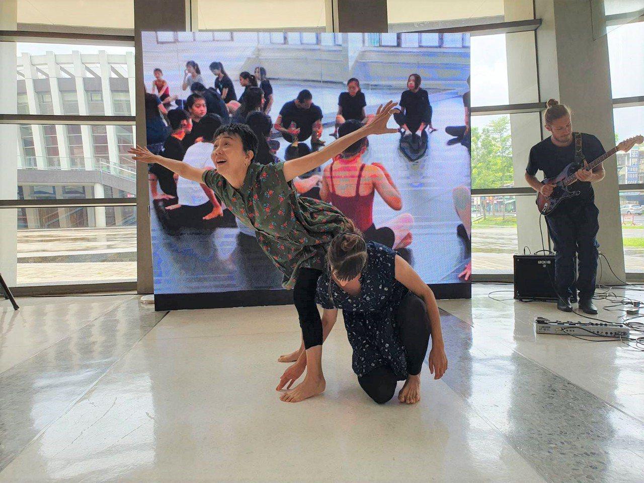 圖為蔡孟霙空間舞團。圖/屏東縣政府文化處提供