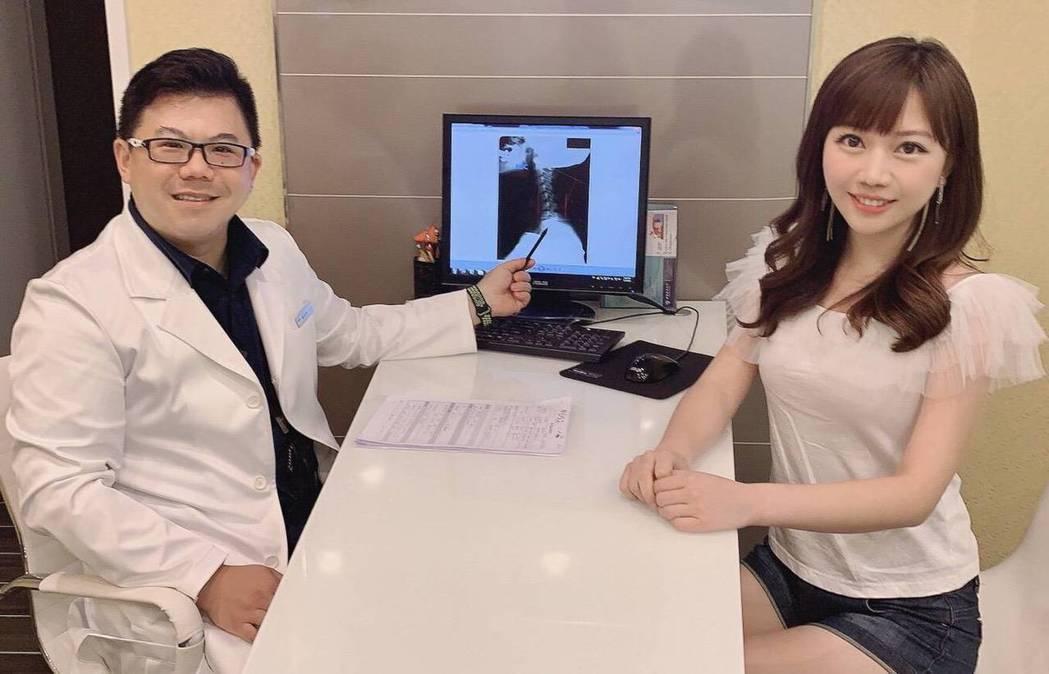 蔡尚樺和骨科權威醫師饒瑞悌合作網路節目《名人找骨怪》,為廣大女性觀眾解決「大屁股