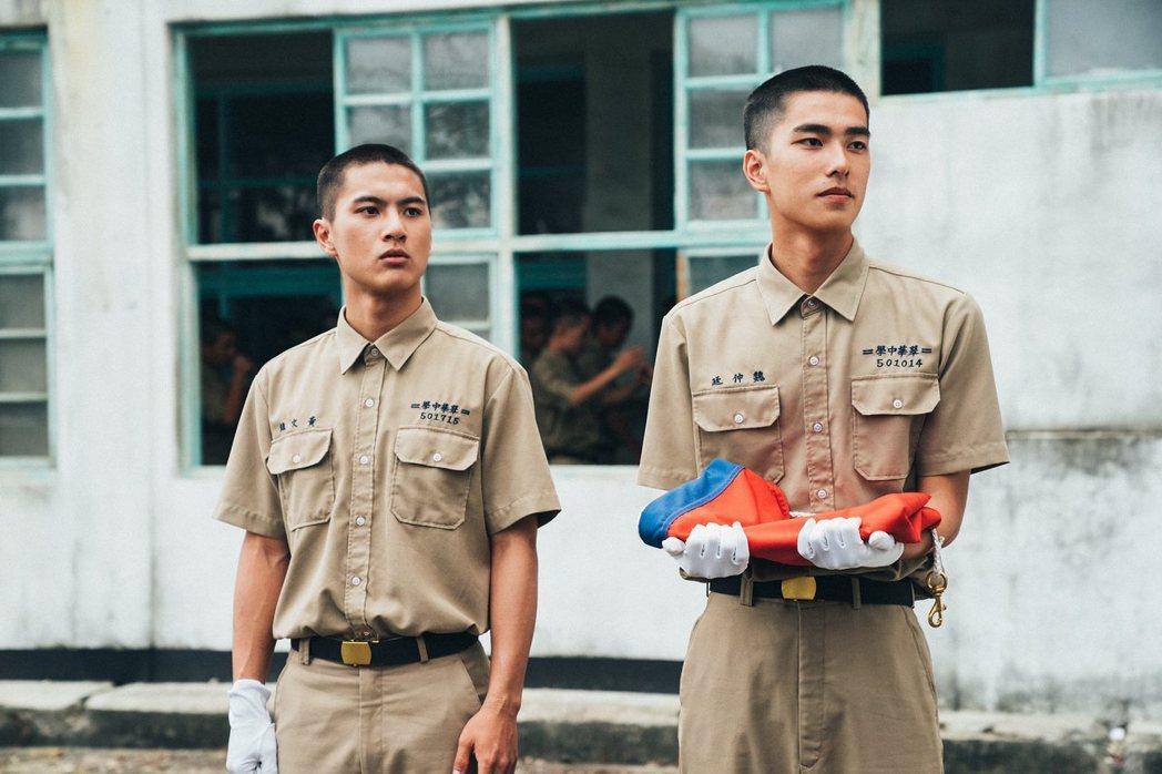 李冠毅(左)、潘親御繼「囧男孩」後再度合作,右為曾敬驊。圖/影一製作提供