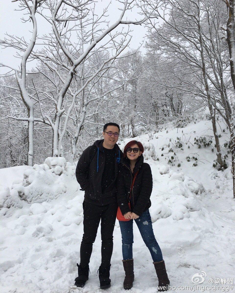 梁靜茹(右)傳出2年前已抓包老公疑似劈腿。圖/摘自微博