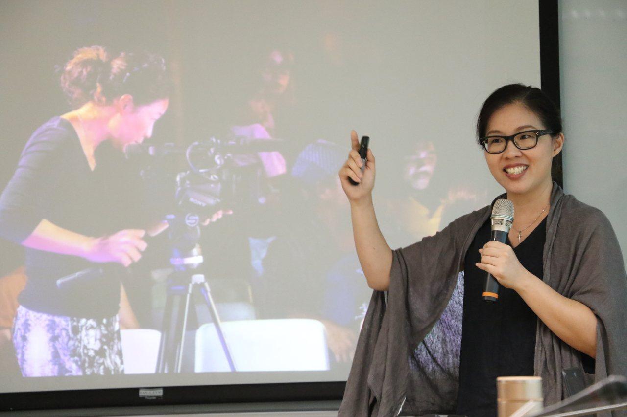 新北社會局邀請吳靜怡分享人生故事,她說,每一個人都拿了一本人生劇本,自己就是主角...