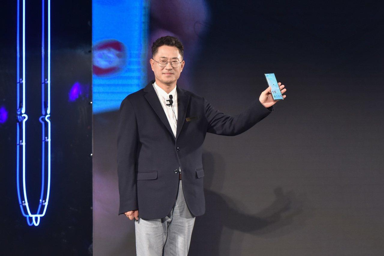 三星電子大中華區總裁權桂賢巡迴首站來到台灣宣傳Note10 系列新機。三星提供