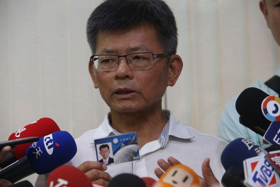 今天宣布退出國民黨的前高雄縣長楊秋興還是推崇郭台銘參選總統,並說個人的想法是希望國民黨發生「換柱2.0」。記者劉學聖/攝影