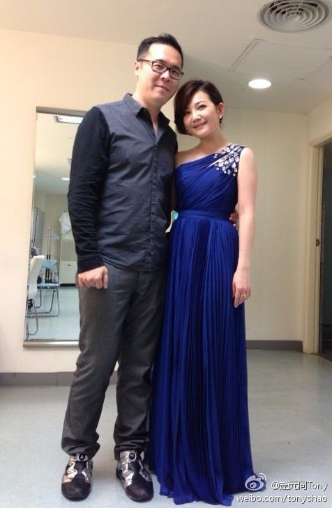 趙元同(左)和梁靜茹結婚9年多,育有一子。圖/摘自微博