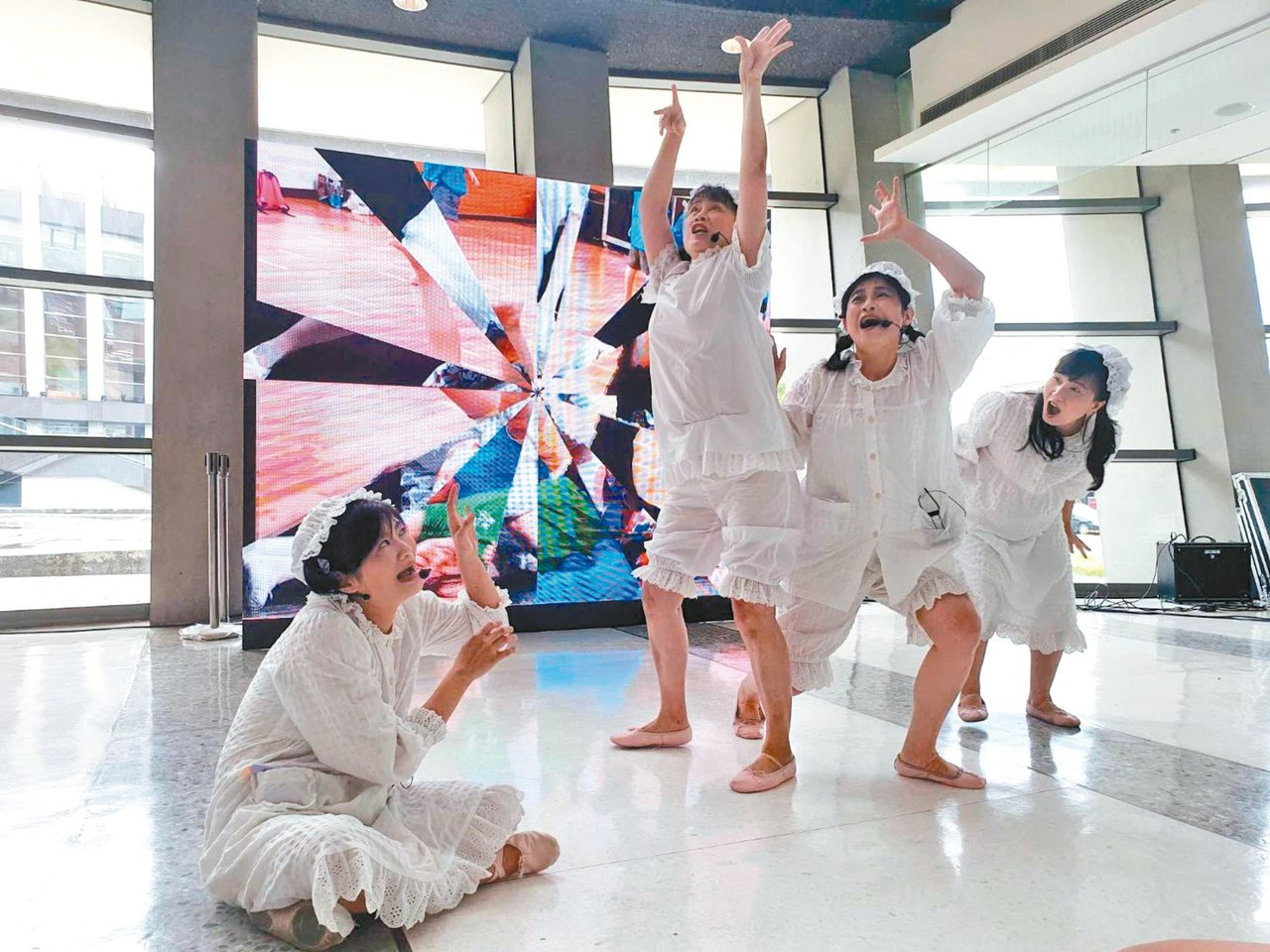 圖為花痞子劇團的精彩表演。 圖/屏東縣政府文化處提供