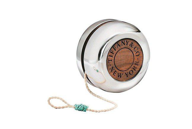 純銀與黑核桃木溜溜球,11,500元。 圖/Tiffany & Co.提供