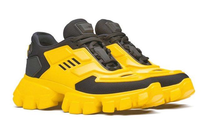 Cloudbust Thunder黃色休閒鞋,37,000元。 圖/PRADA提...