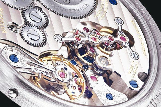 ●朗格ZEITWERK DATE腕表,售價291萬5,000元。 圖/各業者提供