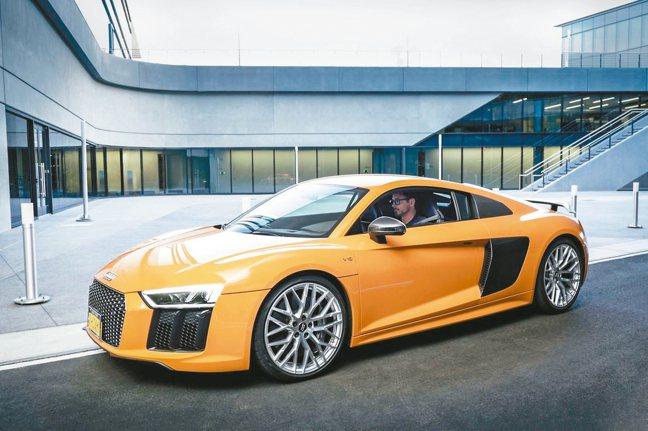 自從鋼鐵人第一集以來,只要提到東尼史塔克的愛車,馬上就讓人想到Audi性能跑車R...