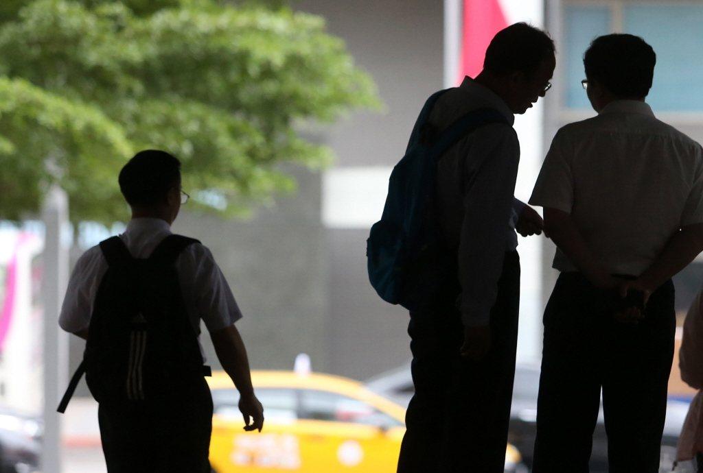 勞動部今日公布最新一期無薪假實施事業單位統計,截至8月15日,共計26家事業單位...