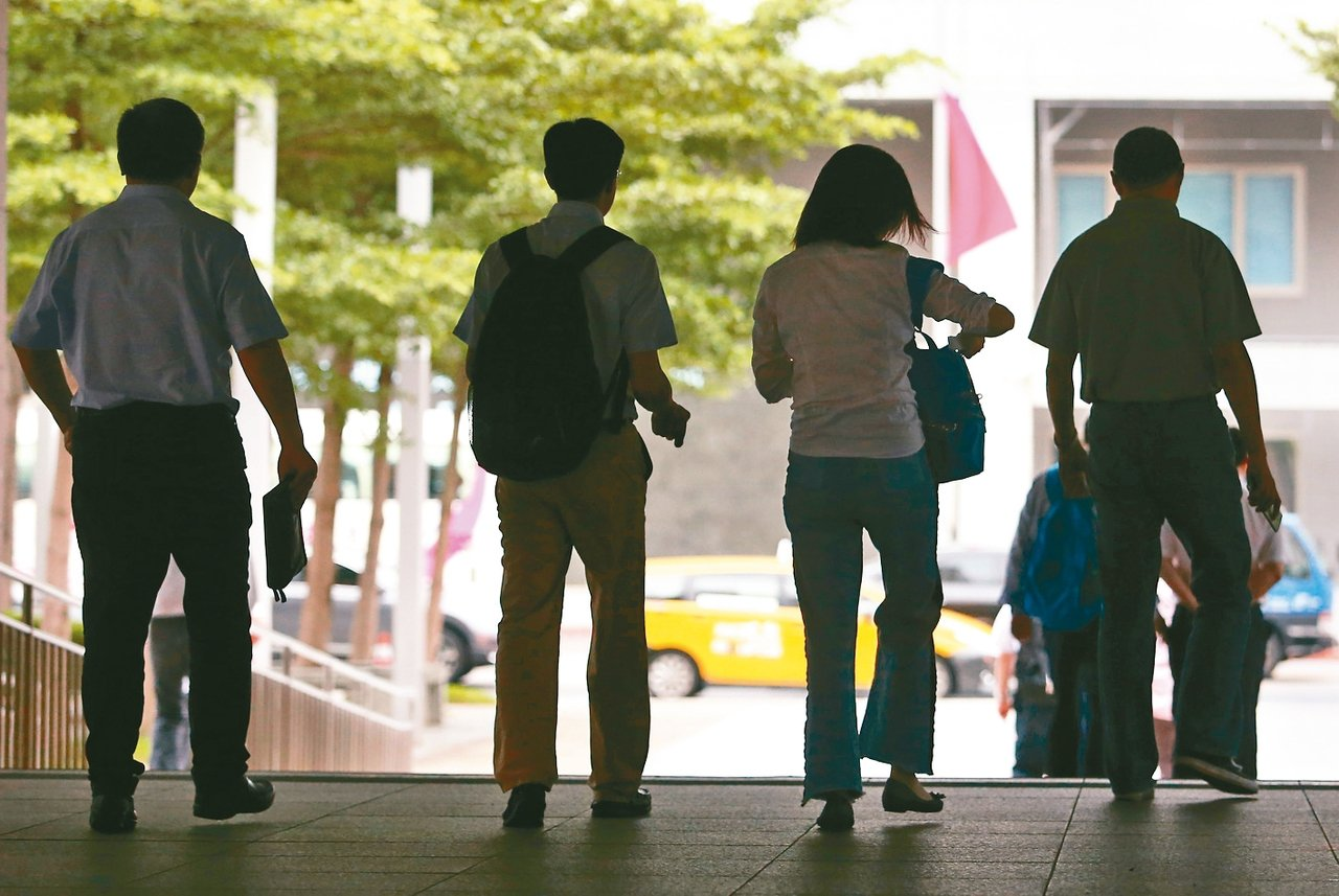 無薪假人數達2012人,較上期增加近兩倍,創下今年以來新高紀錄。 圖/聯合報系資...