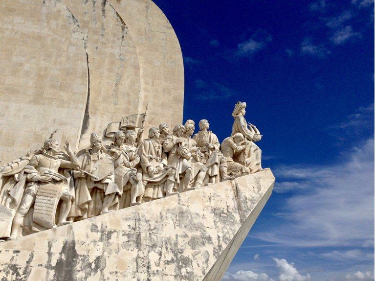 紀念15-16世紀大航海時代的著名地標:里斯本‧發現者紀念碑。業者/提供