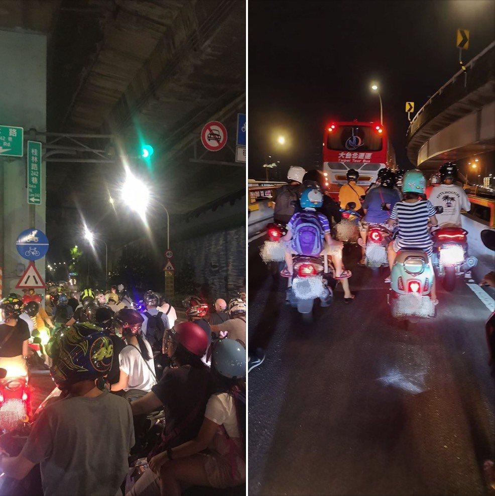 遊覽車誤闖慢車道導致回堵。圖/取自臉書社團「重機車友:各區路況、天氣回報中心」