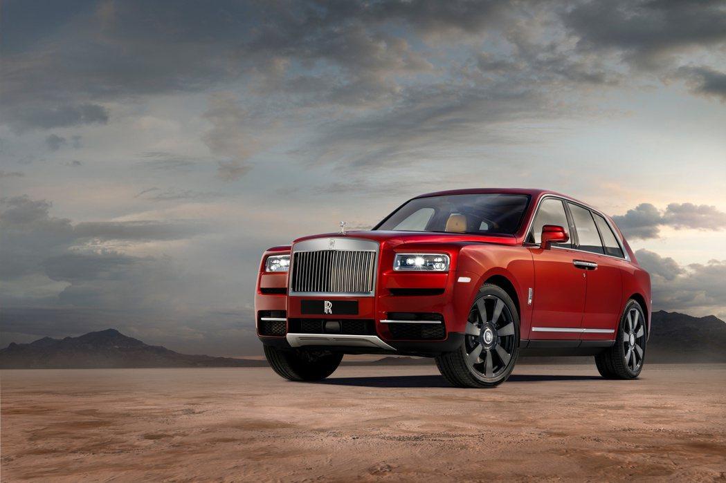 勞斯萊斯建廠百年首款休旅車型Cullinan榮獲全球知名金舵獎「超豪華SUV」的...