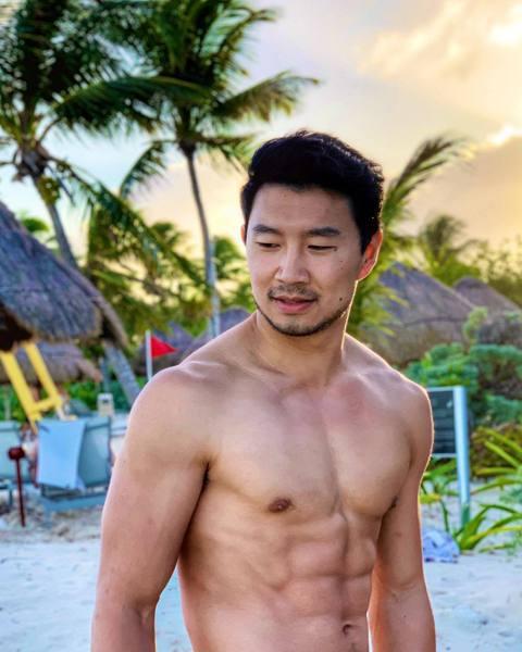 漫威超級英雄片稱霸全球票房超過10年,下一個階段將在人物設定上會更多元化,即將在澳洲拍攝的「尚氣」,就是首部華裔為主角的力作,除了敲定中國大陸出生、加拿大長大的劉思慕扮演男主角外,反派「滿大人」也邀...