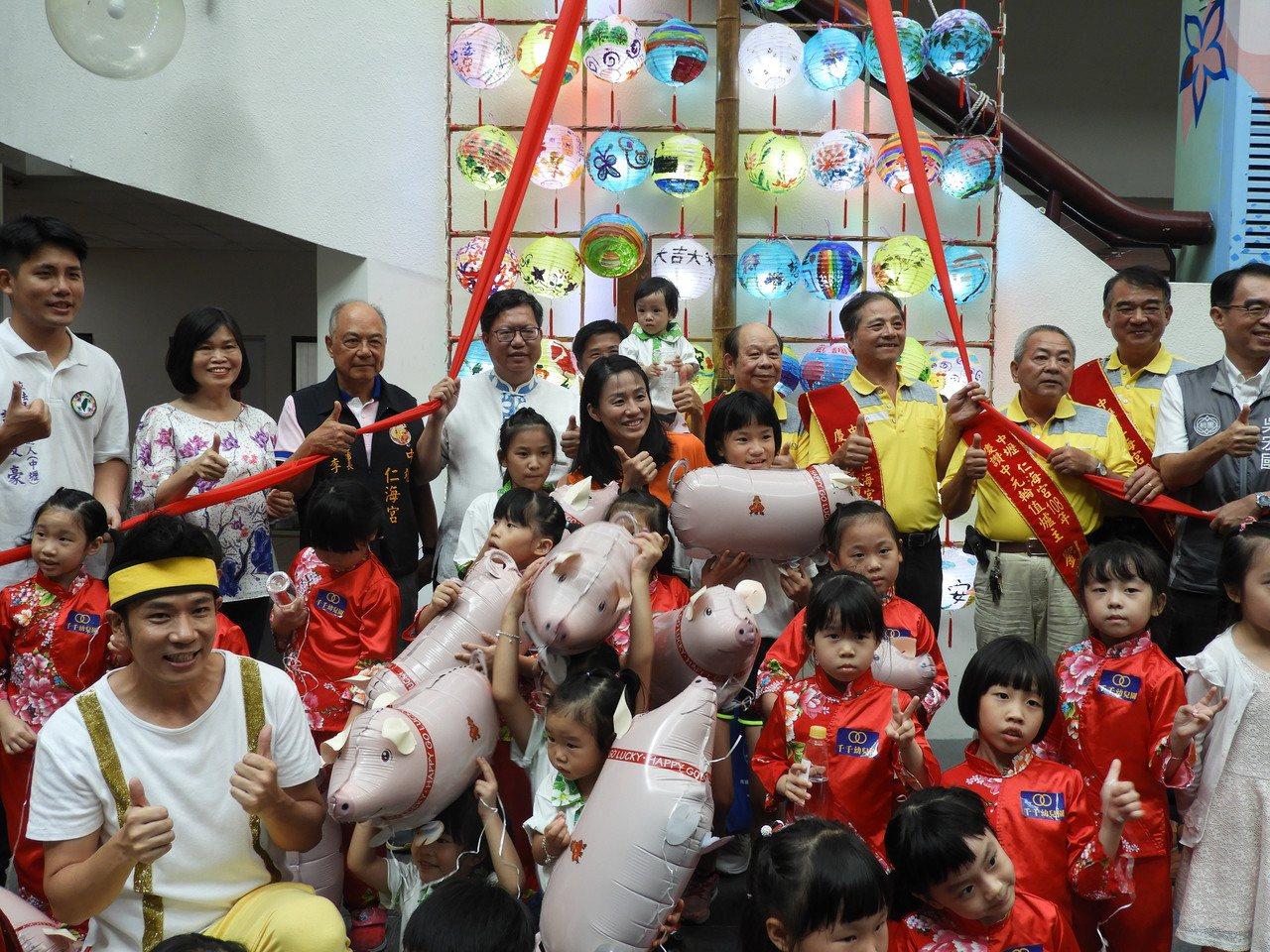 今年中壢區中元慶典藝術節將在8月19日及20日舉行,今年將打造6隻創意大神豬,請...