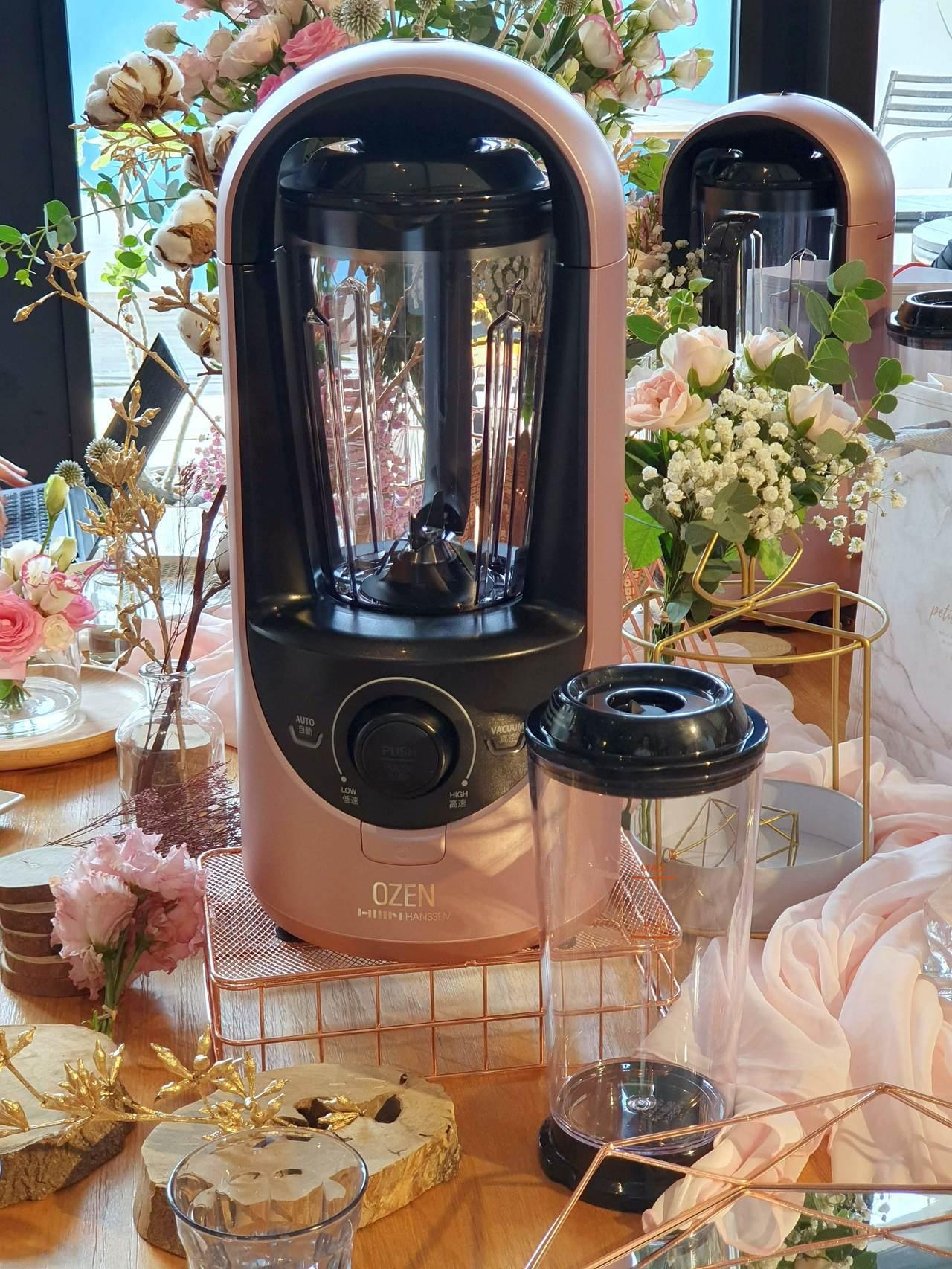 OZEN真空抗氧破壁調理機,建議售價29,800元。記者黃筱晴/攝影