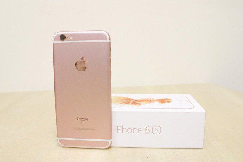 網友表示iPhone6s相當耐用。記者邵心杰/翻攝