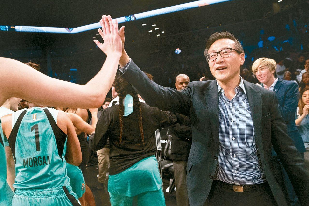理事會拍板定案,蔡崇信正式入主籃網隊,成為NBA首位台灣老闆。 聯合報系資料照