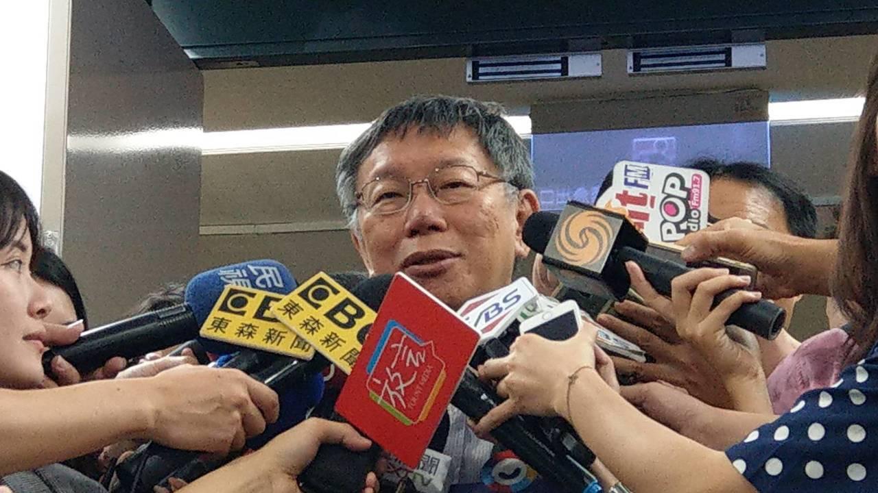 台北市長柯文哲在市府受訪。記者楊正海/攝影