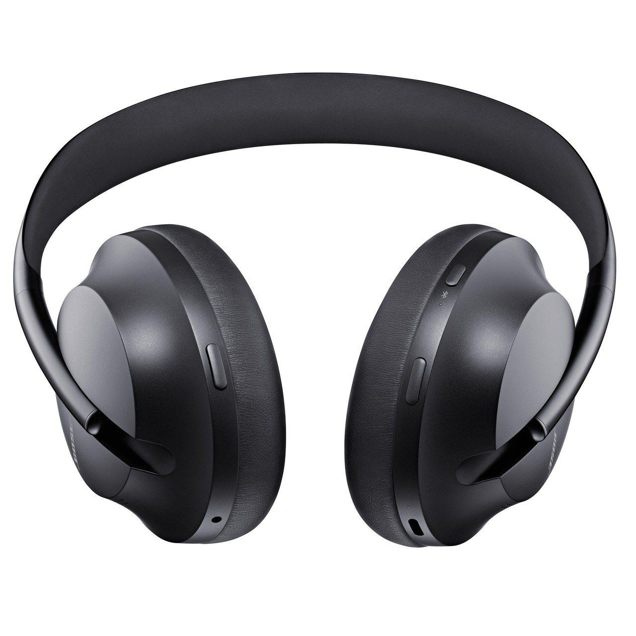 耳機上的3個按鍵分別用於開關機、調節消噪等級和啟動語音助理。圖/Bose提供