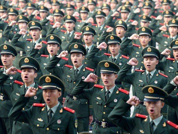 曾經隸屬武警遼寧總隊、轉業擔任律師的李騰認為,在特殊情況下,中央政府可以直接決定...