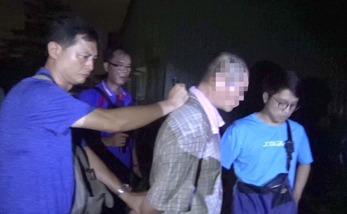綽號「小林」的男子(右二)涉嫌製毒被稱為「師傅」。記者林保光/翻攝